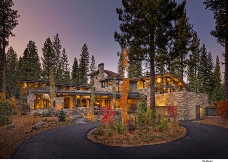 Valhalla Residence Is A Luxurious Modern Retreat 5