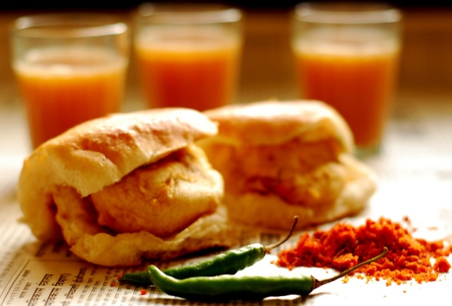THESE ARE THE THREE MOST SIMPLE SANDWICHES THAT RICH PEOPLE DIE FOR | 2.Traditional Indian VADA PAV Sandwich next to spices