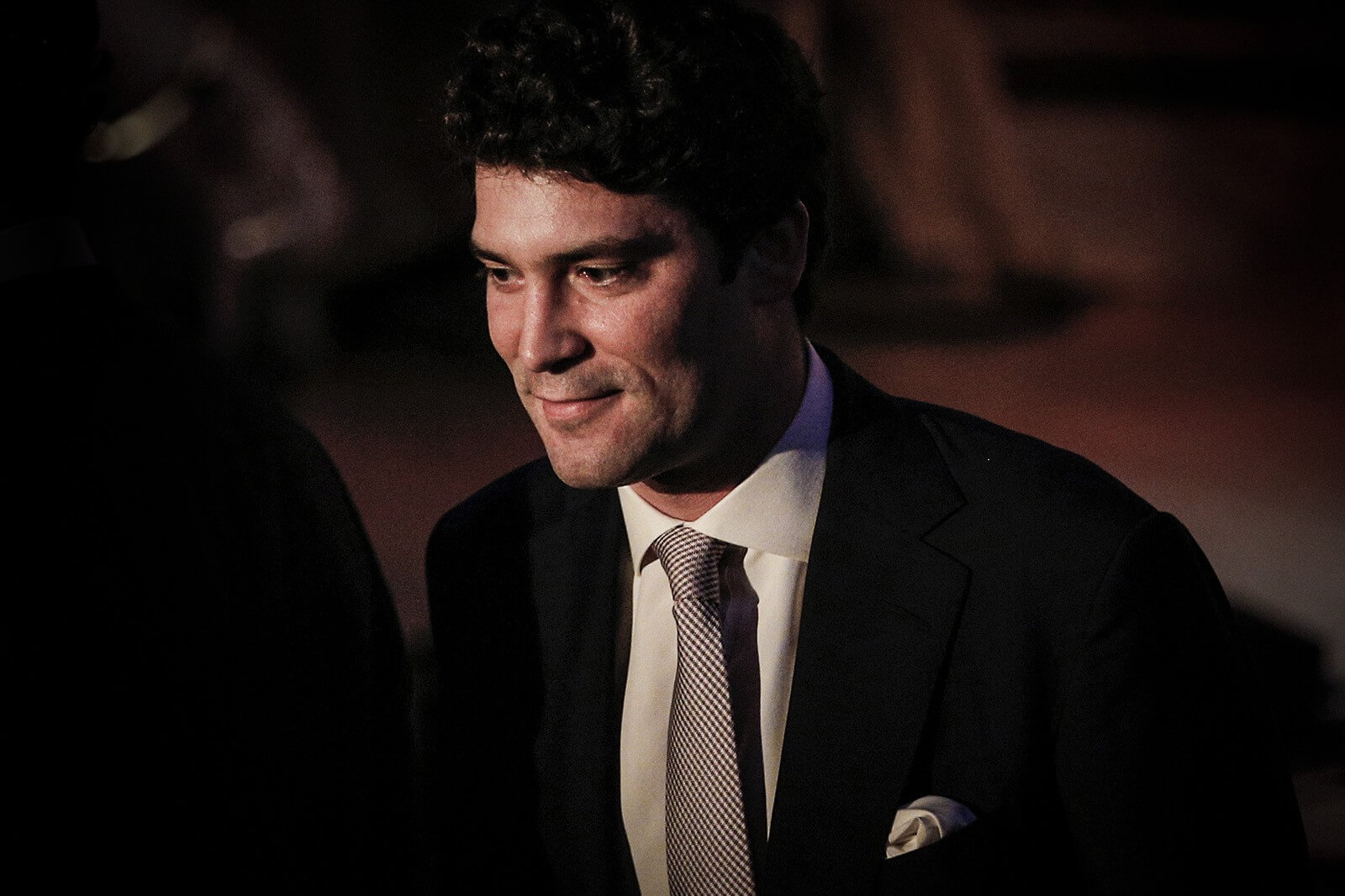 #10 Alejandro Santo Domingo Davila | Beautiful Billionaires Around The World | Image Source: billionaire.com