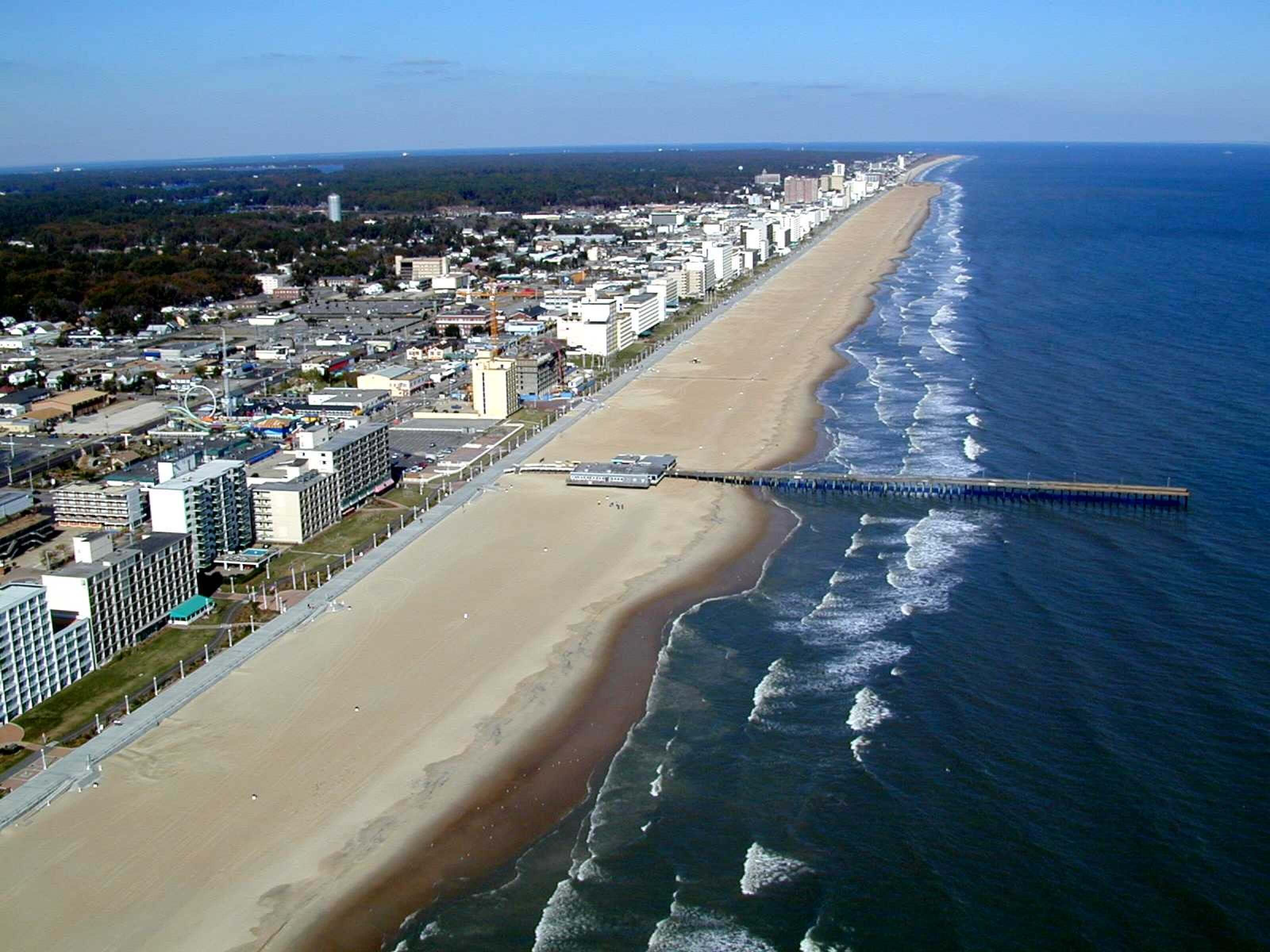 #15 Virginia Beach | American Cities Where You Can Totally Disappear | Image Source: workandtravelclub.ro