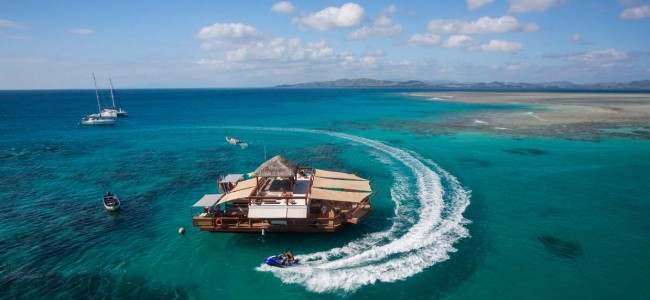 The Floating Bar Cloud9 in Fiji Is Probably The Coolest Place for a Party