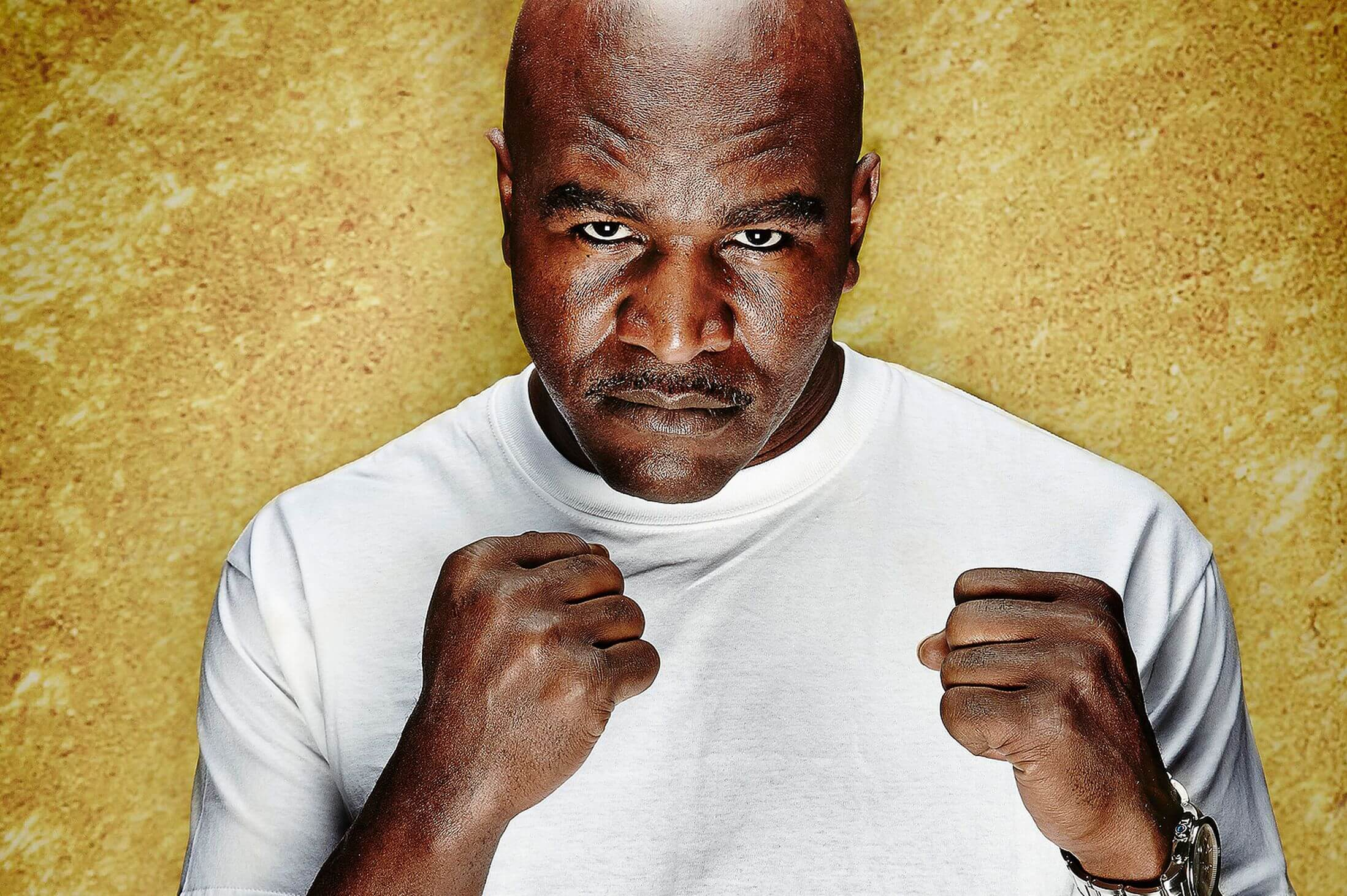 #9 Evander Holyfield | Celebrities Who Lost Their Homes | Image Source: desdeelring.com