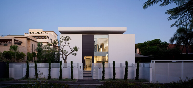 Bauhaus Mansion Features A Luxury Design - EALUXE 2