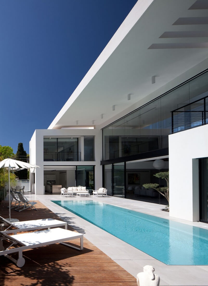 Bauhaus Mansion Features A Luxury Design - EALUXE 5
