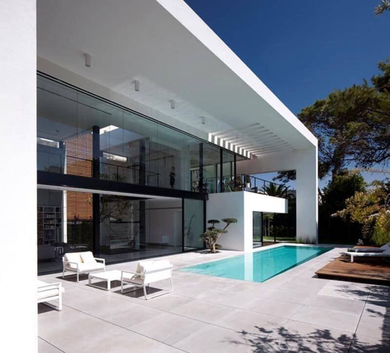 Bauhaus Mansion Features A Luxury Design - EALUXE 9