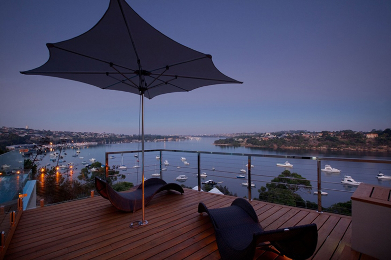 Bicton Residence Features A Luxury Backyard 7