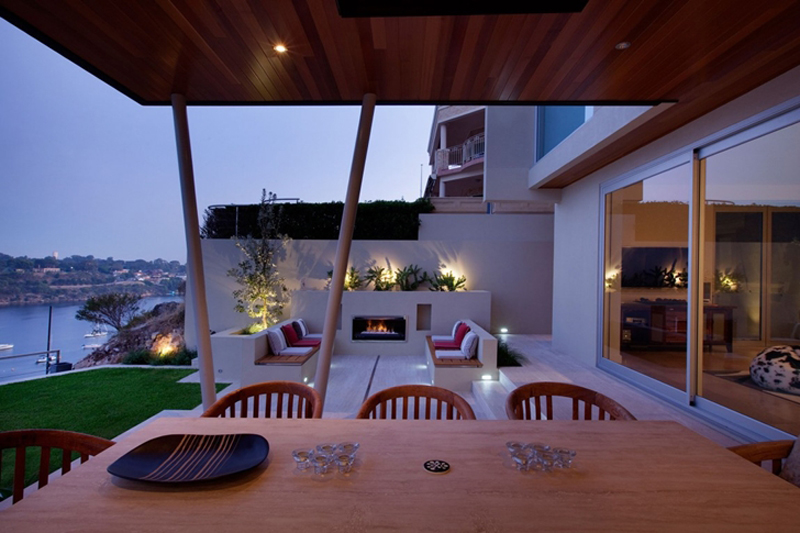 Bicton Residence Features A Luxury Backyard 9