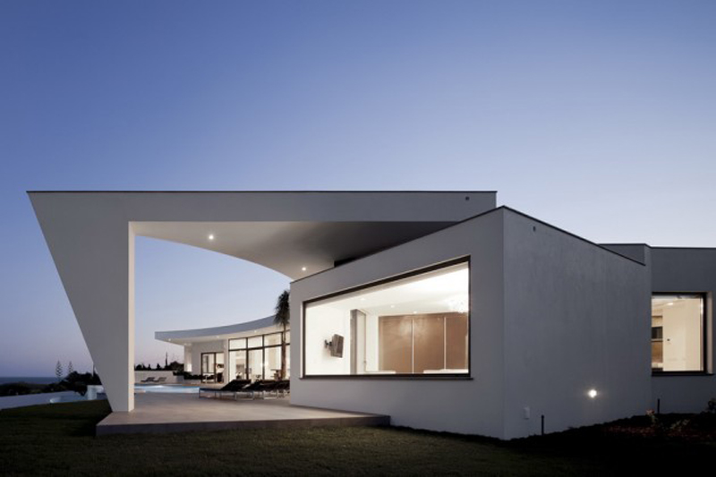 Colunata House Features A Luxury Design 4
