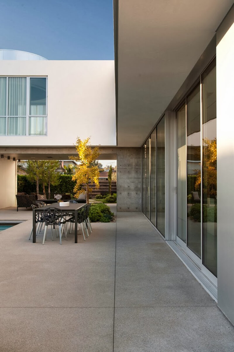 Family Home From Venice Features A Luxury Design 4