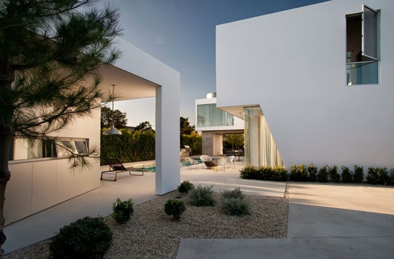 Family Home From Venice Features A Luxury Design 5