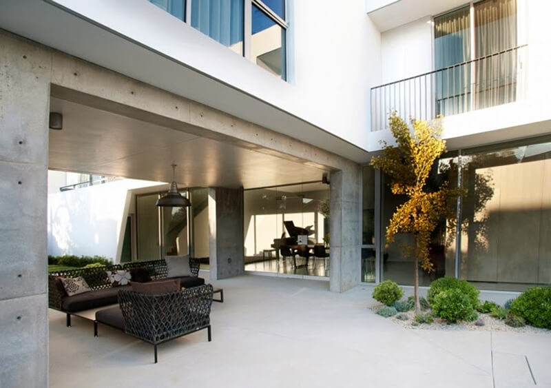 Family Home From Venice Features A Luxury Design 7