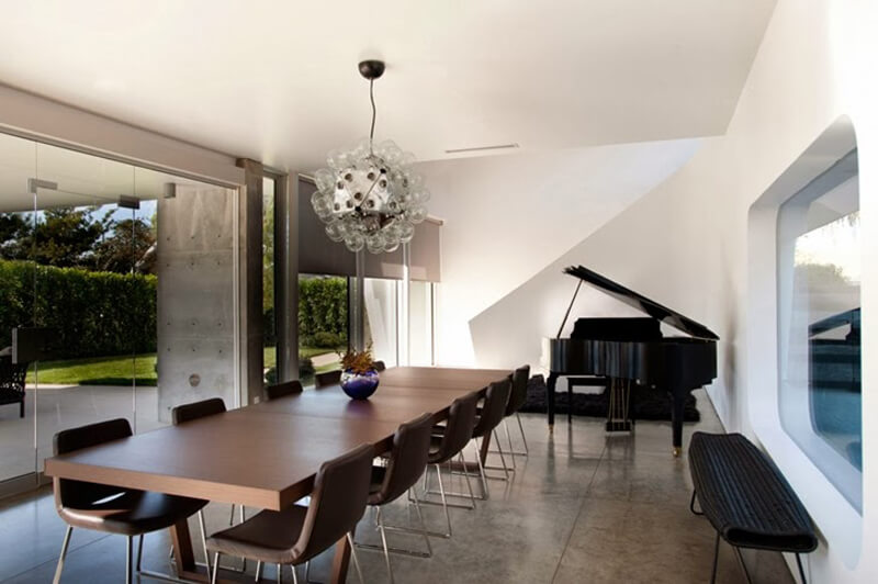 Family Home From Venice Features A Luxury Design 8