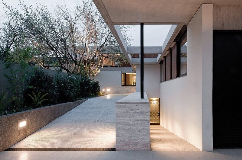 Fray León House Features An Interesting Design - EALUXE 4