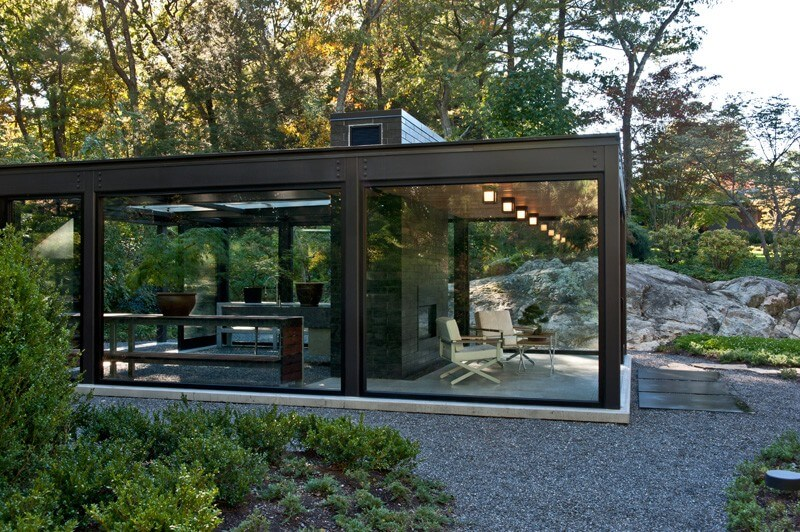Glass House In The Garden Is A Luxurious Place 3