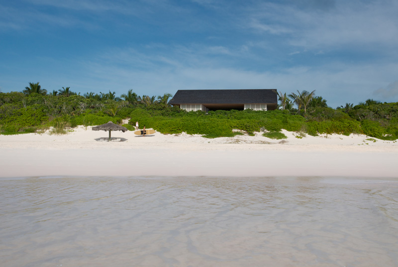House On A Dune Is A Luxurious Home In Bahamas 2