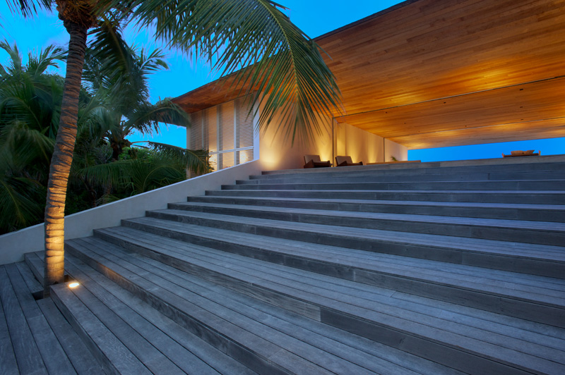 House On A Dune Is A Luxurious Home In Bahamas