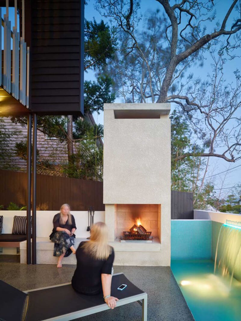 Mackay Terrace Is A Luxurious Contemporary Home 5
