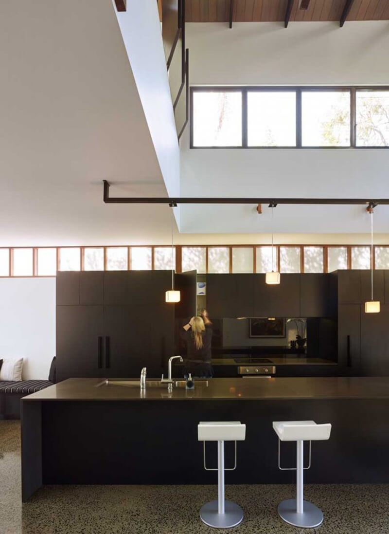 Mackay Terrace Is A Luxurious Contemporary Home 7