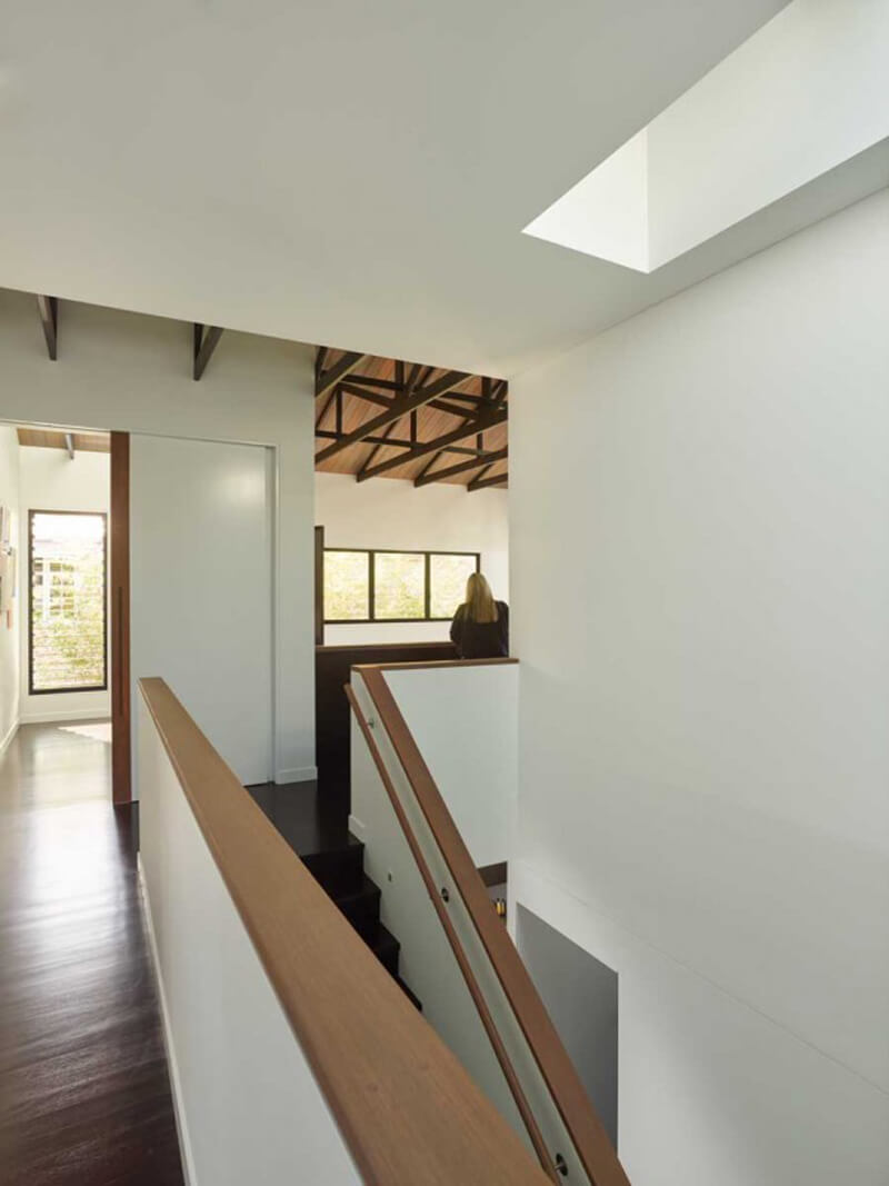 Mackay Terrace Is A Luxurious Contemporary Home 9
