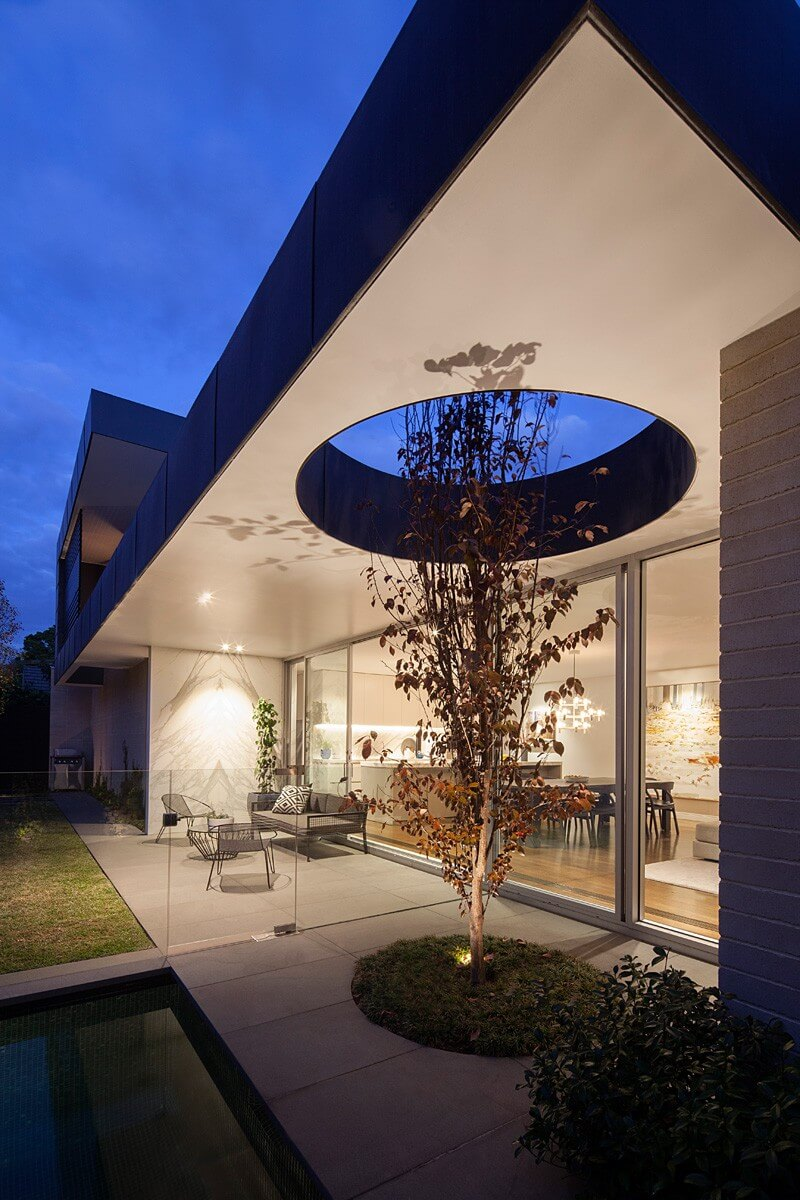 Malvern East Residence Features A Luxury Addition 3