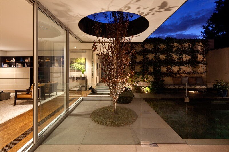 Malvern East Residence Features A Luxury Addition 4