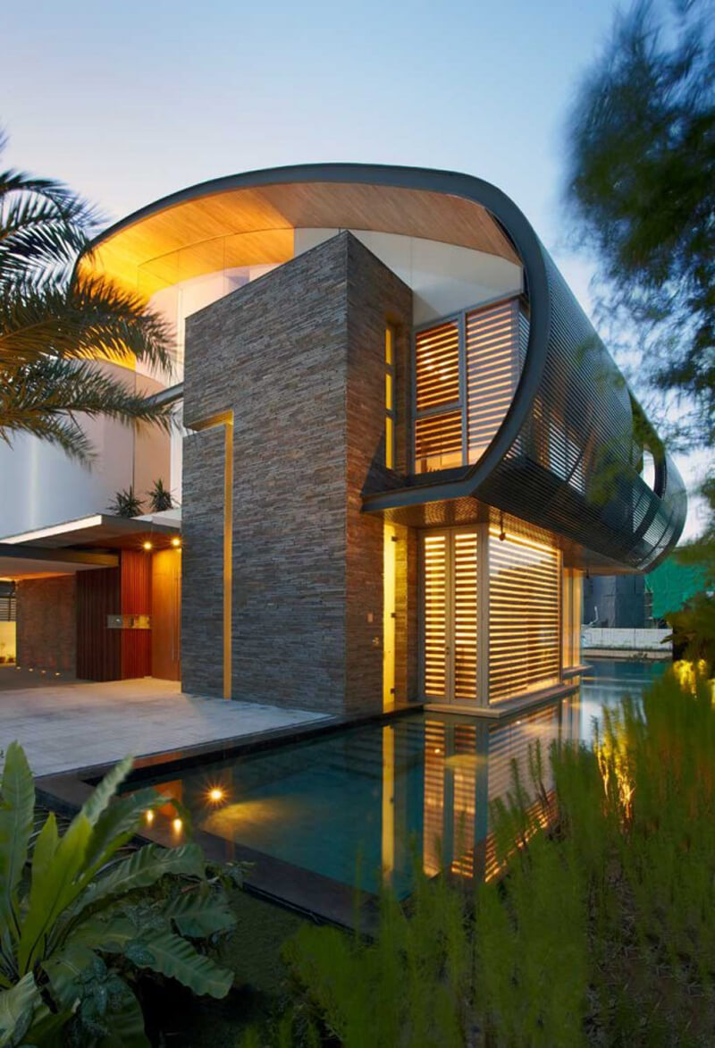 Nautical Lines Features A Curvaceous Roof Design 4
