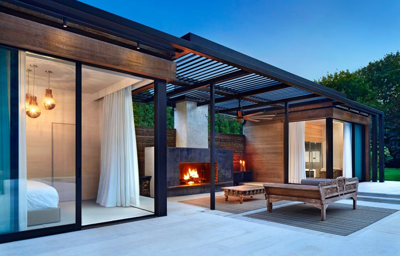 Pool House Features A Luxury Outdoor Area 2