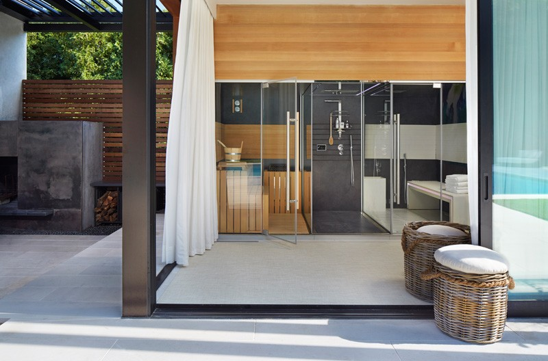 Pool House Features A Luxury Outdoor Area 6