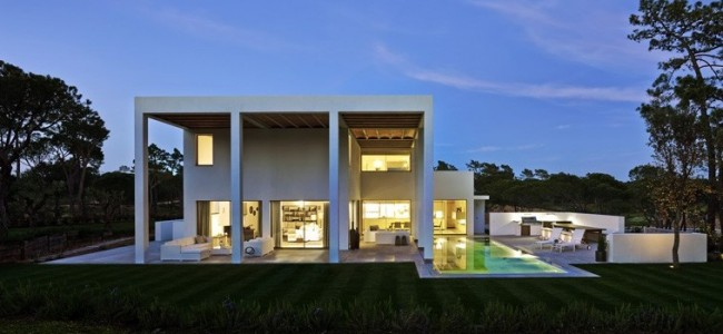San Lorenzo North House – A Modern Luxurious Residence From Portugal Surrounded By Pine Trees