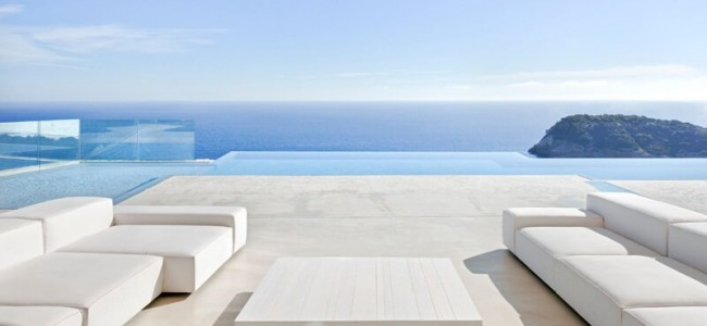 The Sardinera House Is A Luxurious Residence Overlooking The Mediterranean Sea In Spain