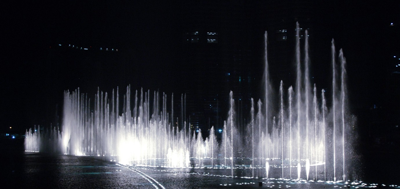 The most luxurious mall in the world – The Dubai Mall; Fountains