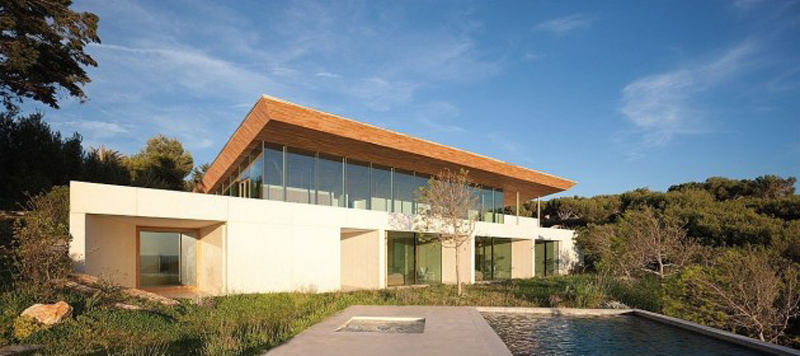The Luxurious Alon House Offers Mesmerizing Views 2