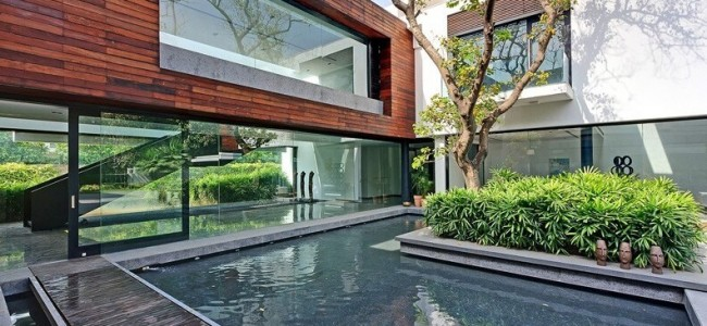 Three Trees House – Modern Family Home From New Delhi Nestled Between Three Mature Trees