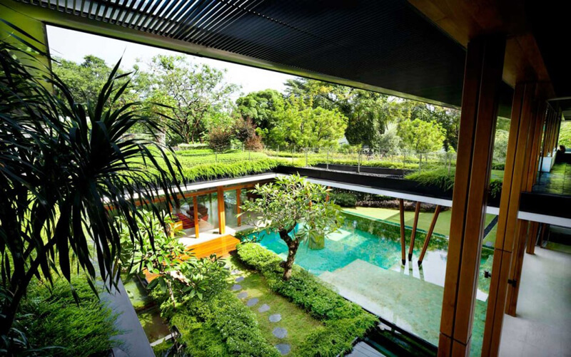 Water Lily House Features A Luxury Landscape - EALUXE 7