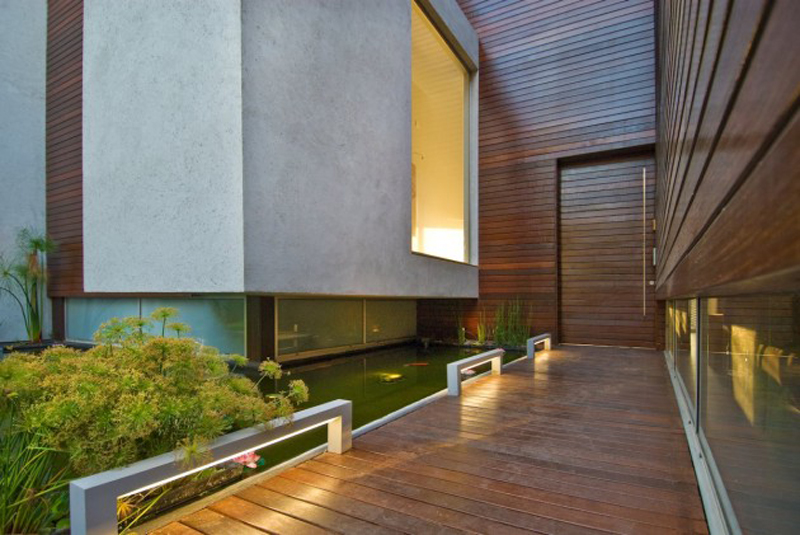 Wooden Concrete House Features A Luxury Design 4