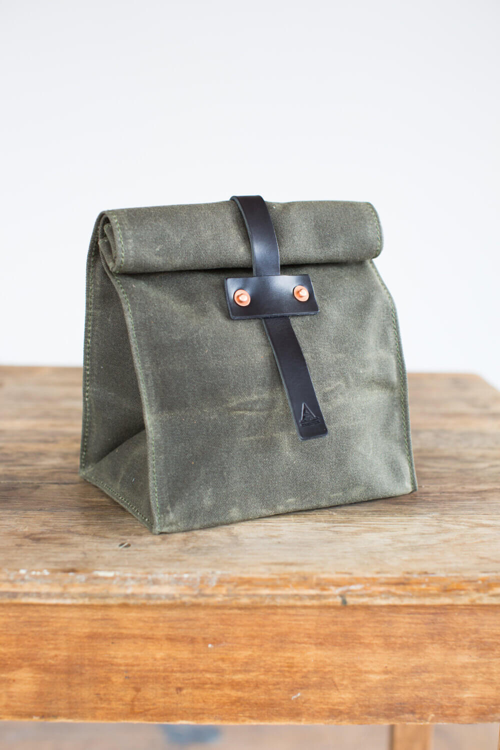#8 Artifact Bag | Sophisticated Lunch Carriers | Image Source: Image Source etsy.com