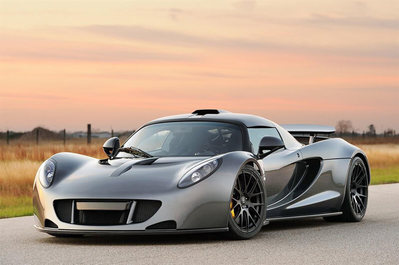Hennessey Venom GT - An Outstanding Super Car - $ 960.000 | via cameralabs.org