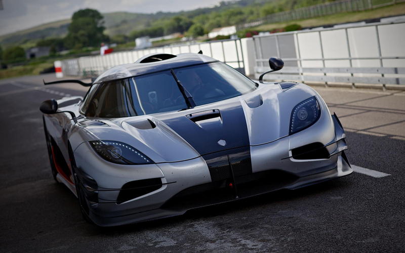 Koenigsegg One-1 - Powerful Production Car | via sssupersports.com