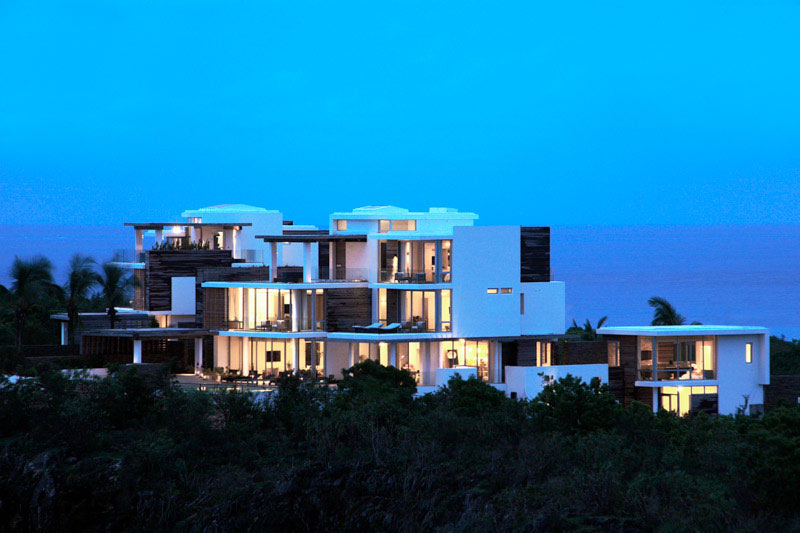 Two Modern Villas Feature A Luxury Design - EALUXE 10