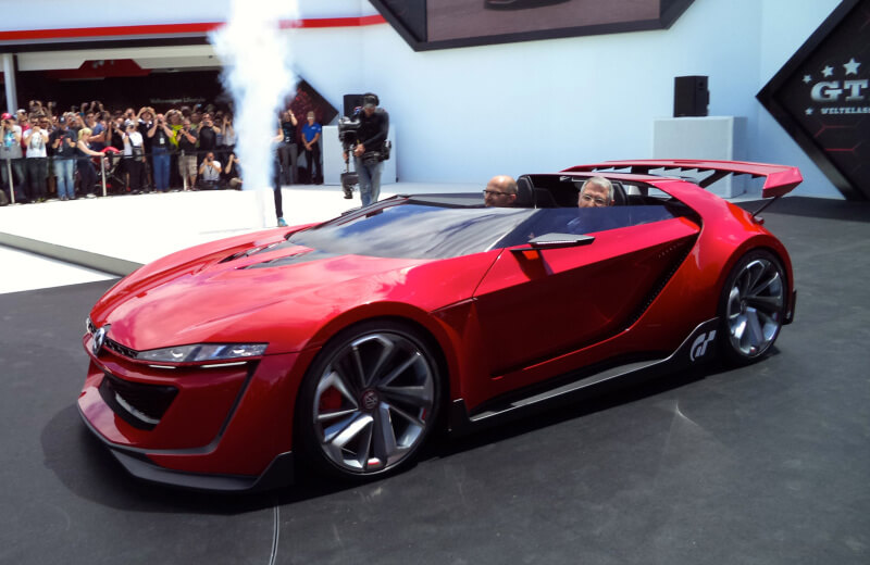 Volkswagen GTI Roadster Features One Insane Concept | via clanky.katalog-automobilu.cz