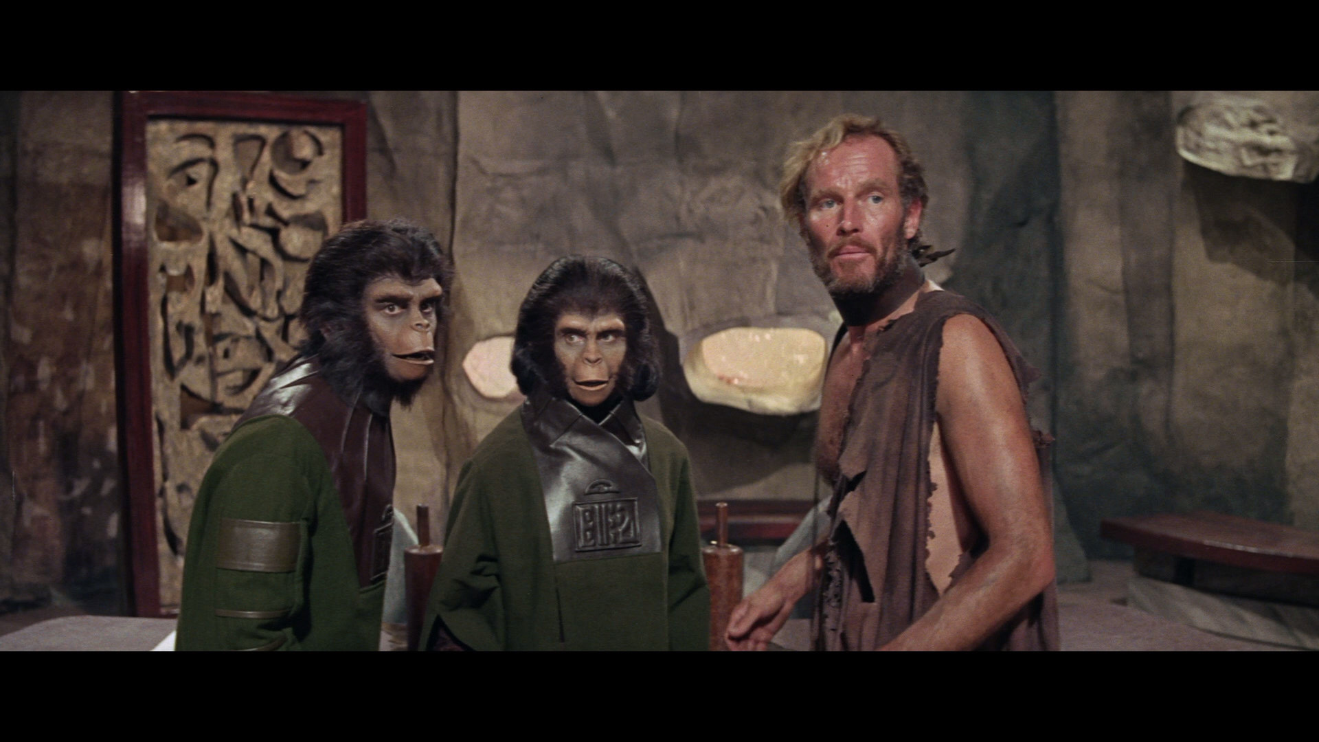 https://www.alux.com/wp-content/uploads/2015/07/large-planet-of-the-apes-blu-ray1.jpg