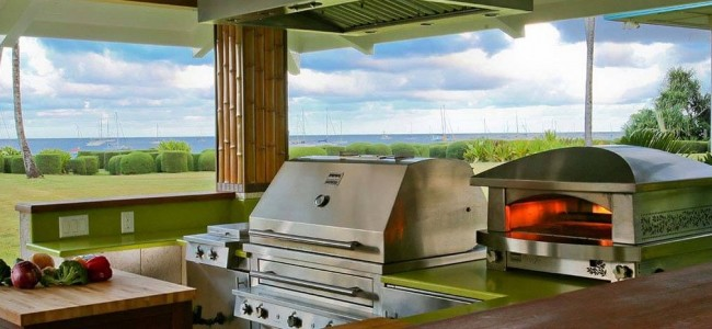 These Outdoor Kitchens Are What You Need This Summer  (14)