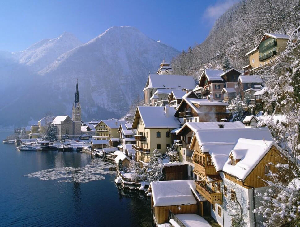11. Hallstatt, Austria    These 20 Photos of Winter Towns Will Make You Love Snow Even More