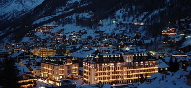 These 20 Photos of Winter Towns Will Make You Love Snow Even More