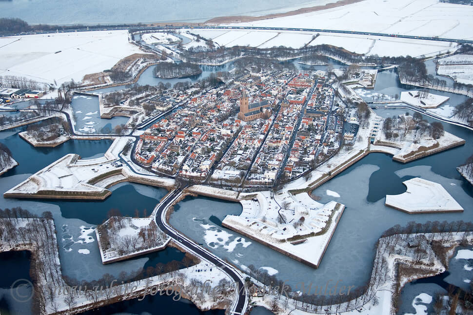 5. Naarden, Netherlands || These 20 Photos of Winter Towns Will Make You Love Snow Even More