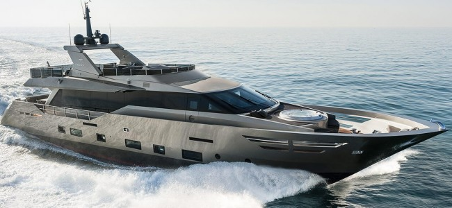 This Zahraa Yacht is Like A Mobile Five Star Hotel