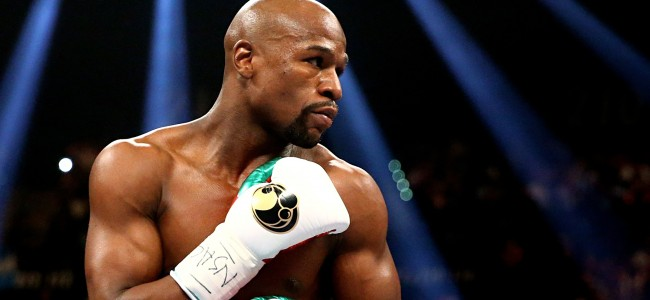 When Floyd Mayweather Travels He Only Packs $100 Bills and No Clothes