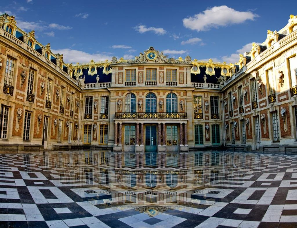 A Luxury Hotel Will Open at Chateau de Versailles