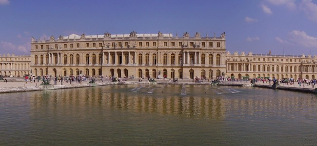 There Will Be A Luxury Hotel Opened at France's Iconic Chateau de Versailles Soon