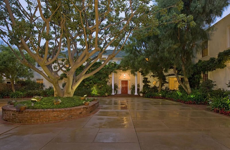 Inside Taylor Swift's $25 Million Beverly Hills Mansion